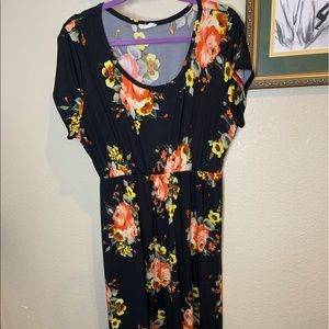 NWOT- Floral Maxi dress with elastic waist